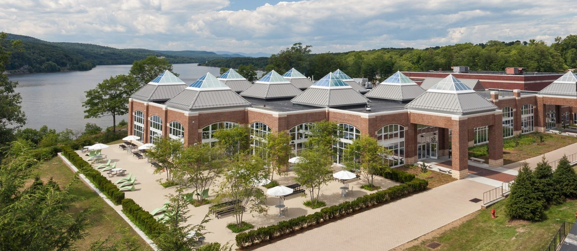 Higher Education - The Student Commons at Hyde Park Campus