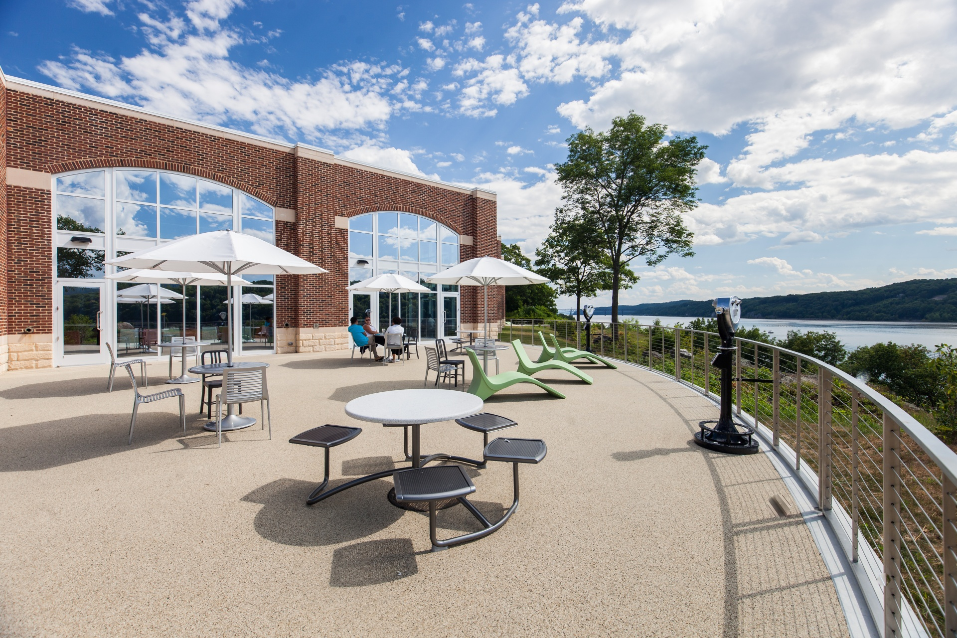 Hospitality, Higher Education - The Student Commons at Hyde Park Campus